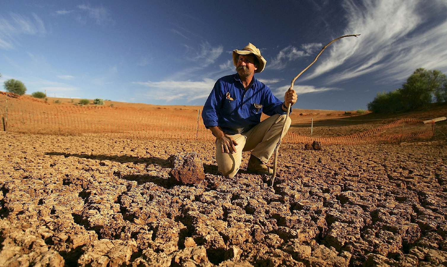 Australian farmers watching their land turn to deserts